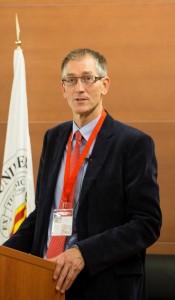 El Prof. Bijman en su ponencia